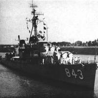 U.S. Navy destroyer USS Warrington (DD-843) on the St. Lawrence Seaway in 1959 (Official U.S. Department of Defense photograph)