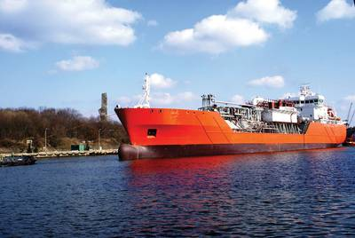 The Antony Veder-owned Coral Methane is one of the first small LNG vessels capable of delivering LNG bunkers