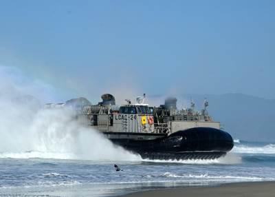 LCAC 24 Beach-head Landing