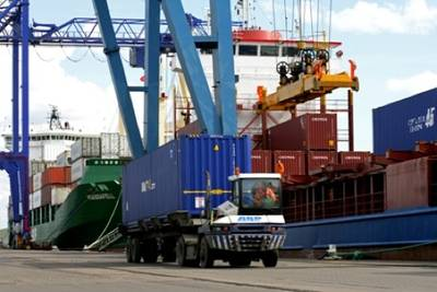 Container Port Operations: Photo credit ABP