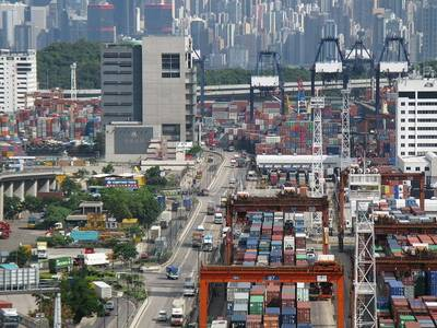 HK Container Port Road:Photo credit Wiki Baycrest CC-BY-SA-2.5