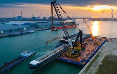 Barge Lift in Flushing: Photo credit Concordia Offshore BV