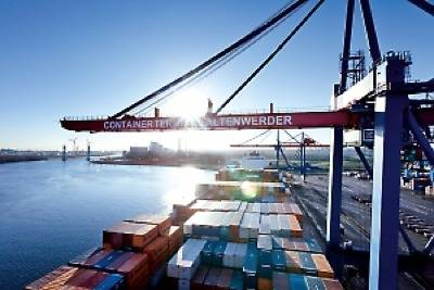 Container Operations Hamburg: Photo credit Hafen Hamburg Marketing e.V