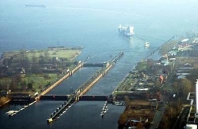 Brunsbüttel Locks: Photo credit Kiel Canal Authority
