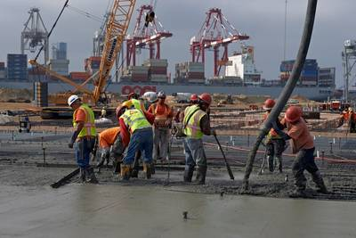 Port Expansion Construction Workers: Photo courtesy of POLB