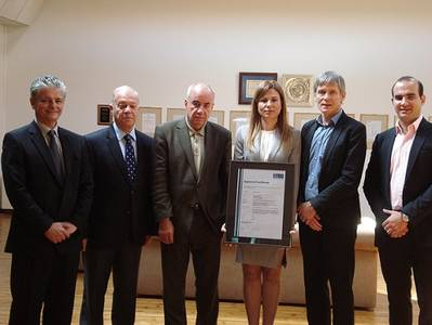 Milestone in further strengthening the collaboration: Handover of HazMat Company approval Certificate to EPE The ceremony was attended by Ms. Helen Polychronopoulou, Executive Vice-President of EPE; Mr. Ioannis Polychronopoulos, President of EPE; Mr. Athanasios Polychronopoulos, Managing Director of EPE; Mr. Gerhard Aulbert, GL Global Head of Practice Ship Recycling - Hamburg; Mr. Konstantinos Vasileiadis and Mr. Aristides Efstathiou, Representatives of GL Piraeus (Photo: EPE)