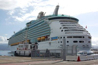 Navigator of the Seas: Photo credit  CCL Bahnfrend