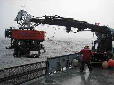 Undersea Vehicle Lowering: Photo credit Los Gatos Research