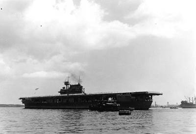 USS Yorktown (Official U.S. Navy Photograph, now in the collections of the U.S. National Archives.)