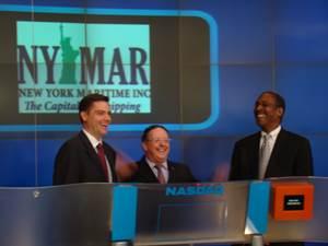 New York Maritime Inc. president Peter Shaerf (center).