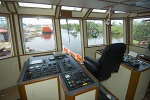 The aft controls on the new Sealink Maju 25 are complete and ready for work.  photo by Alan Haig-Brown courtesy of Cummins Marine