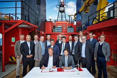 Charter contract signing: Photo credit Siemens Energy