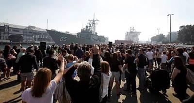 HMAS Melbourne departure: Photo credit RAN