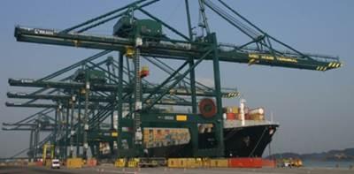 Kalmar ship-to-shore cranes: Photo credit Kalmar