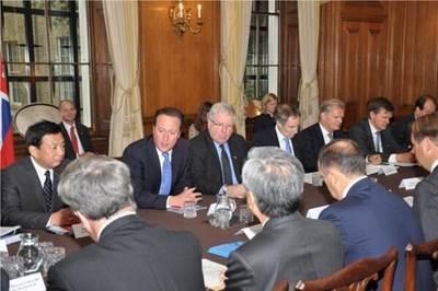 PM David Cameron in discussions: Photo credit Maritime UK