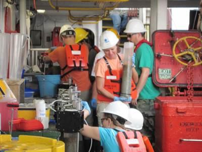 Researchers aboard RV Gyre: Photo credit NOAA