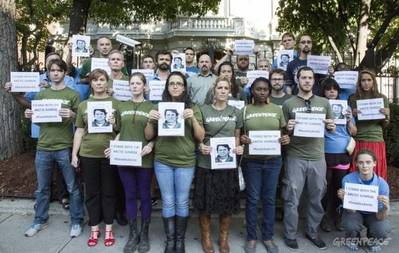 US Greenpeace supporters protest at Russian Embassy: Photo credit Greenpeace