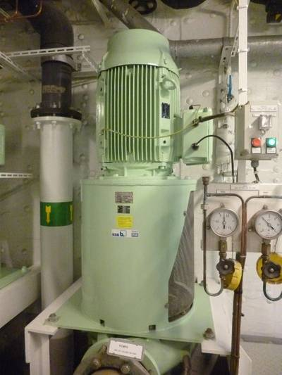Cooling water pump type KSB ILNA-200/330R with a 30 kW drive rating (© Hapag-Lloyd Cruises)
