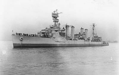 USS Omaha (CL-4). Official U.S. Navy Photograph, from the collections of the Naval Historical Center.