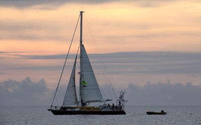 SV Tiama: Photo credit Greenpeace NZ