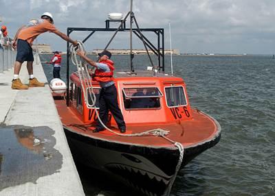 A Range Boat: Photo CCL