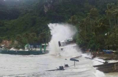 Thai harbour storm: Photo courtesy of Krabi Marine Police