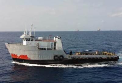 Dryad Photo: suspected pirate vessel underway.