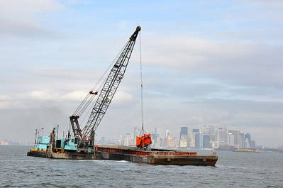 Dredging operation: Photo Wikimedia CCL