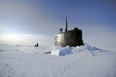 USS Seawolf surfaced in ice: Photo credit USN