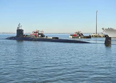 USS Minnesota departs Norfolk Jan 2014: Photo credit USN