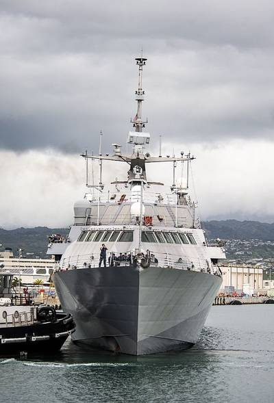 USS Freedom (LCS 1) (U.S. Navy photo by Sean Furey)
