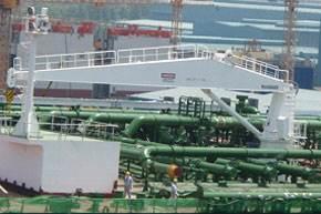 MacGREGOR 20-tonne capacity hose-handling crane