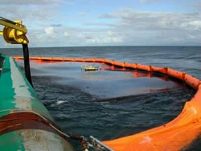 Oil spill containment: File image
