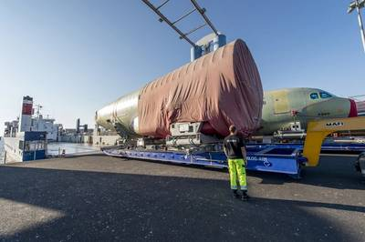 Loading of the 200th shipset A320 FAL at the Airbus quay in Finkenwerder (Photo: Airbus/Christian Brinkmann)
