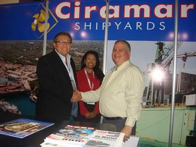 Dante Badaracco, Commercial Director of Ciramar Shipyards (left); Marnin Castillo, Senior Sales Manager of Ciramar Shipyards (center) and Rubén Diaz, President of Del Mar Marine Corp. (right).