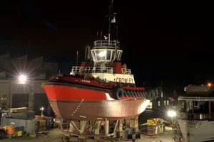 The tug Leader is shown at Bay Ship & Yacht Co. in Alameda, Calif. (Photo courtesy 2009 DavidAllenStudio.com)