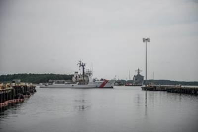 (U.S. Coast Guard photo by 2nd Class Walter Shinn)