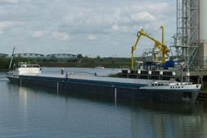 The Elja-V coming alongside on a serene waterway (Photo courtesy of Cummins Holland)