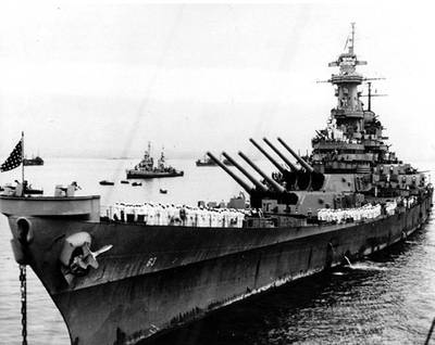 USS Missouri (BB-63) anchored in Tokyo Bay, Japan, 2 September 1945, the day that Japanese surrender ceremonies were held on her deck. (Photograph from the Army Signal Corps Collection in the U.S. National Archives)