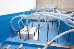 The air supply system of the air cavity ship was reproduced faithfully on model scale.