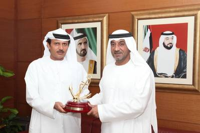H.H. Sheikh Ahmed receives Golden Anchor to commemorate Dubai Maritime City's Business District launch.