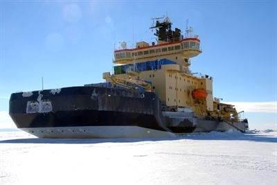 Icebreaker Oden: Photo credit SWEDARCTIC