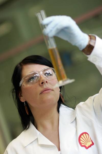 Shell scientists developed Shell Alexia S4 based on their unique 20 year understanding of oil stress –the factors which degrade lubricants. Its unique combination of additives makes it more resistant to these stresses.