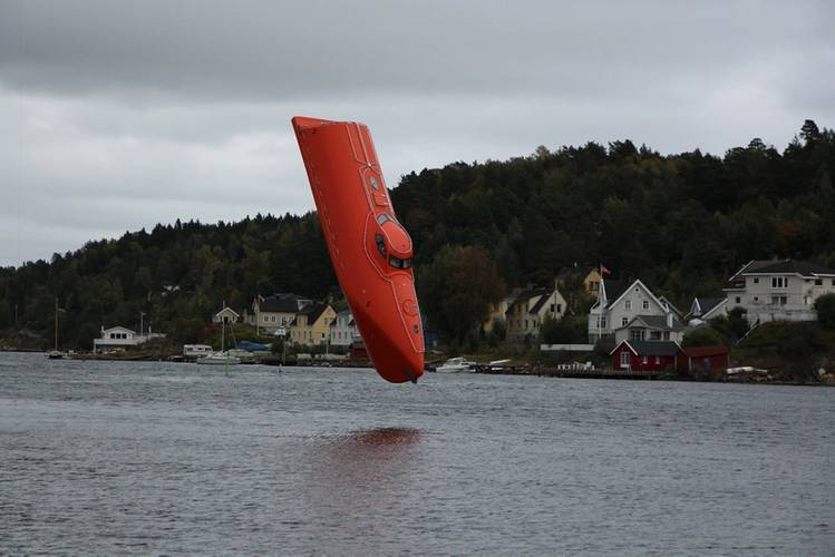 Norsafe's advanced technology GES50 MKIII free-fall lifeboat