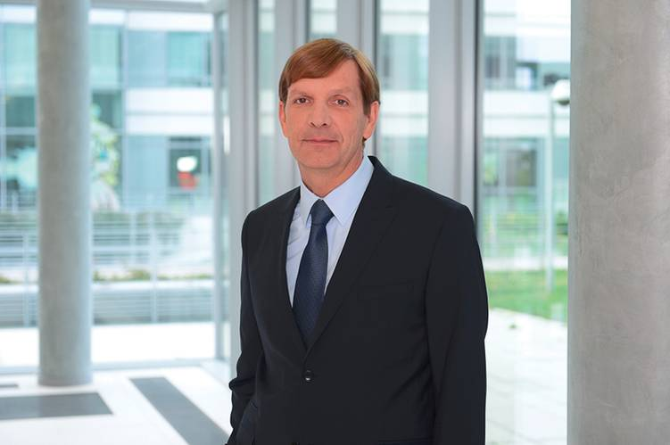 Alain Houard is Vice President, Marine & Offshore Industry at Dassault Systèmes where he leads the company's strategy for sectors including Navy Vessels, Commercial Ships, Offshore, Yachts & Workboats, Marine Suppliers, and Marine & Offshore Specialists.