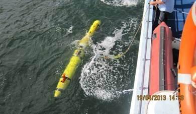 DSTO's REMUS 600 AUV fitted with Kraken's AquaPix InSAS