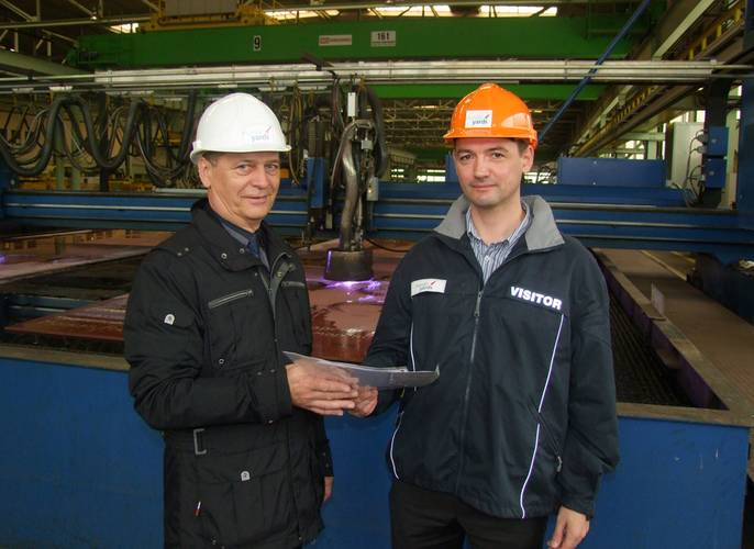 Dmitrii Malofeev (RMRS) and Walter Schölzig, Project Manager at Nordic Yards