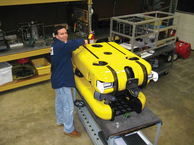 Oceaneering subsidiary Deep Sea Systems (DSSI) has designed and built the Sea Maxx Satellite Remotely Operated Vehicle (SAT-ROV) to work in tandem with work class ROVs at depths up to 4,400m.