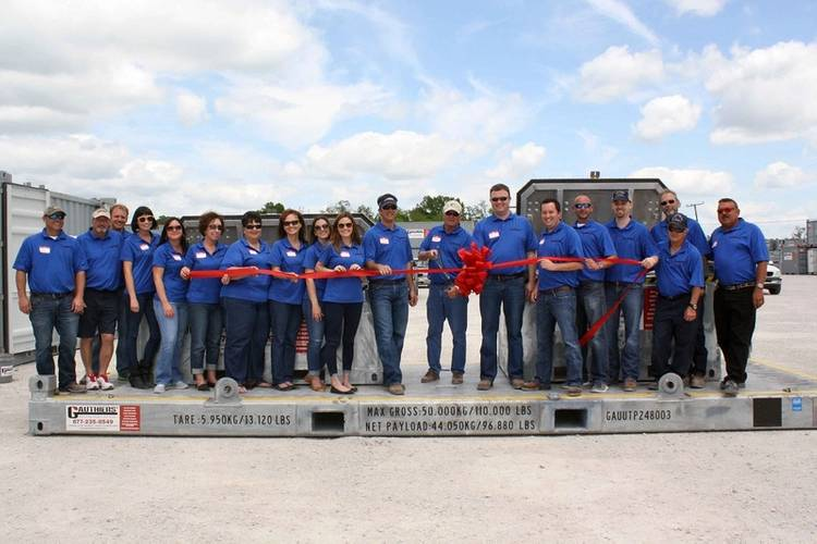 Gauthiers' employees and family cut the ribbon on their new Houma location