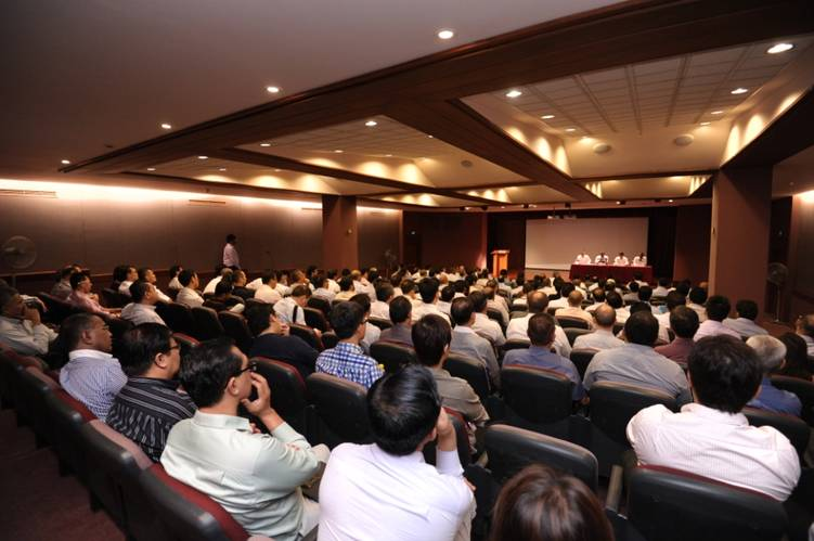 More than 150 representatives from the shipping community attended the dialogue session.